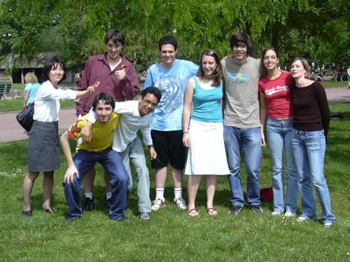 Le groupe de japonais, de gauche à droite : mme marret, matthieu